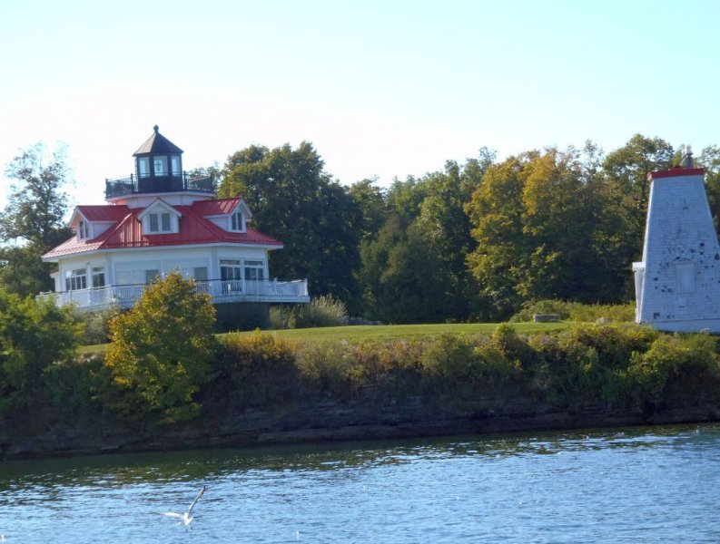 FT-4  Wolf Island Lighthouse